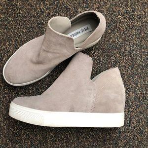 Steve Madden Taupe Wrangle Sneaker